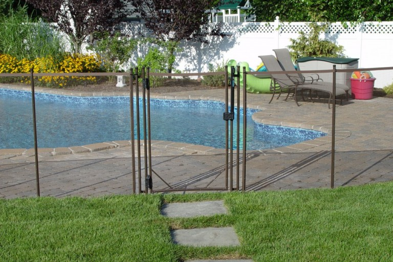 pool-safety-fence
