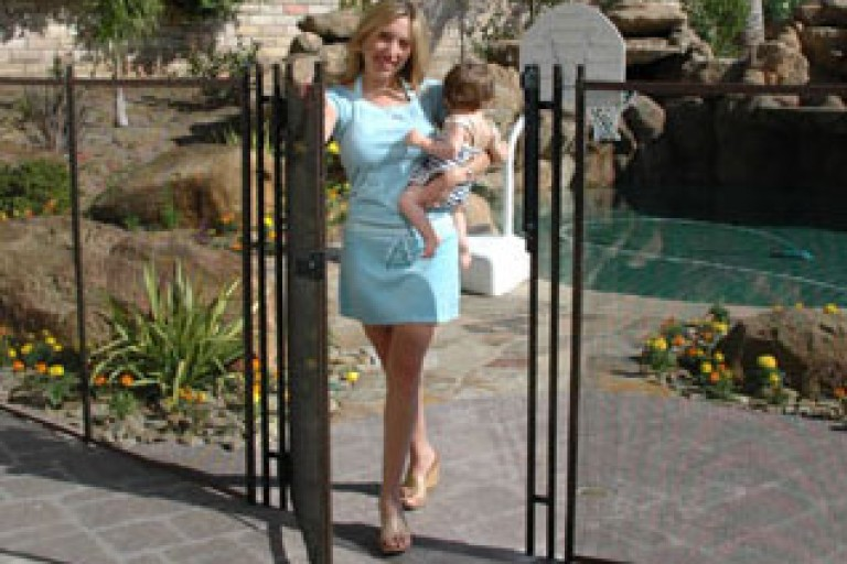baby-gates-and-fences