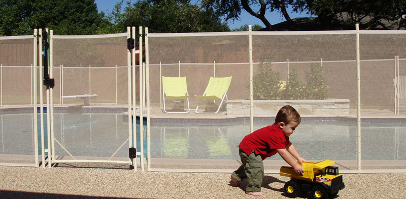 child-proofing-your-swimming-pool