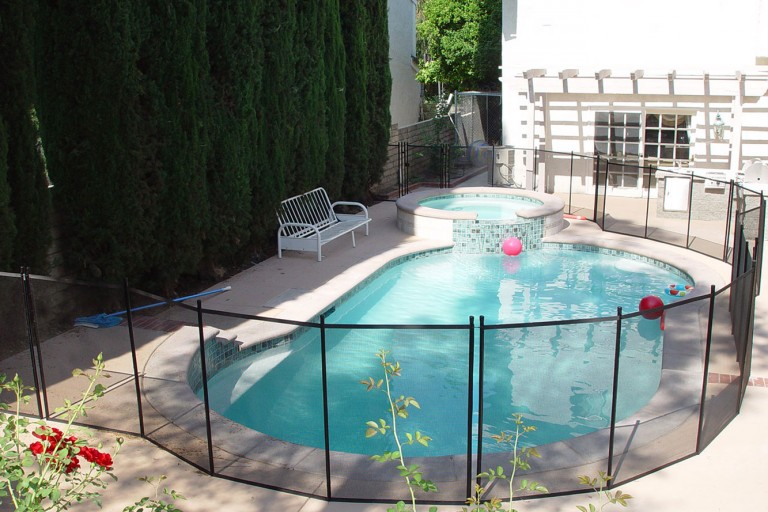 pool-safety-fence (2)