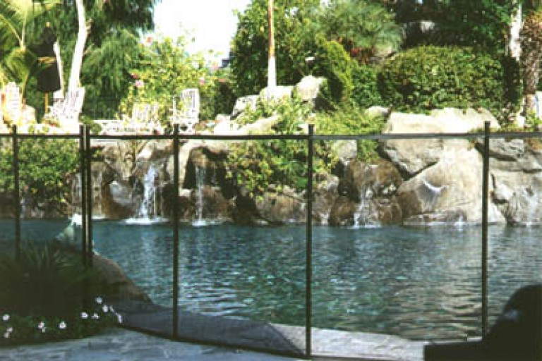 how-to-install-pool-fence