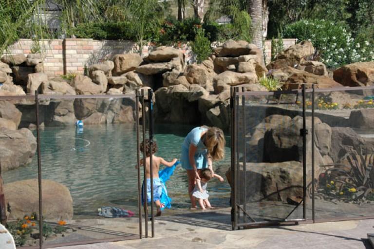 thousand-oaks-pool-fence