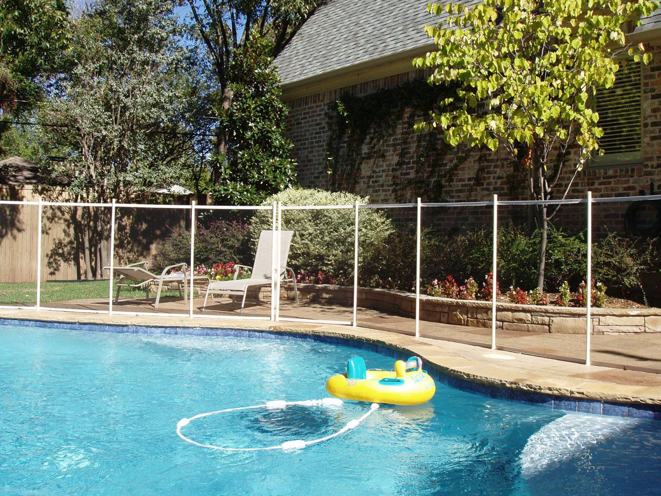 proper-pool-fence