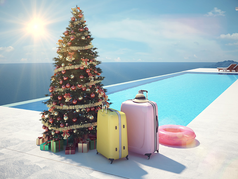 swimming-pool-decorations-for-the-holidays