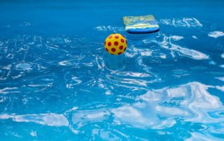 7-DIY-Swimming-Pool-Maintenance-Hacks-Guardian