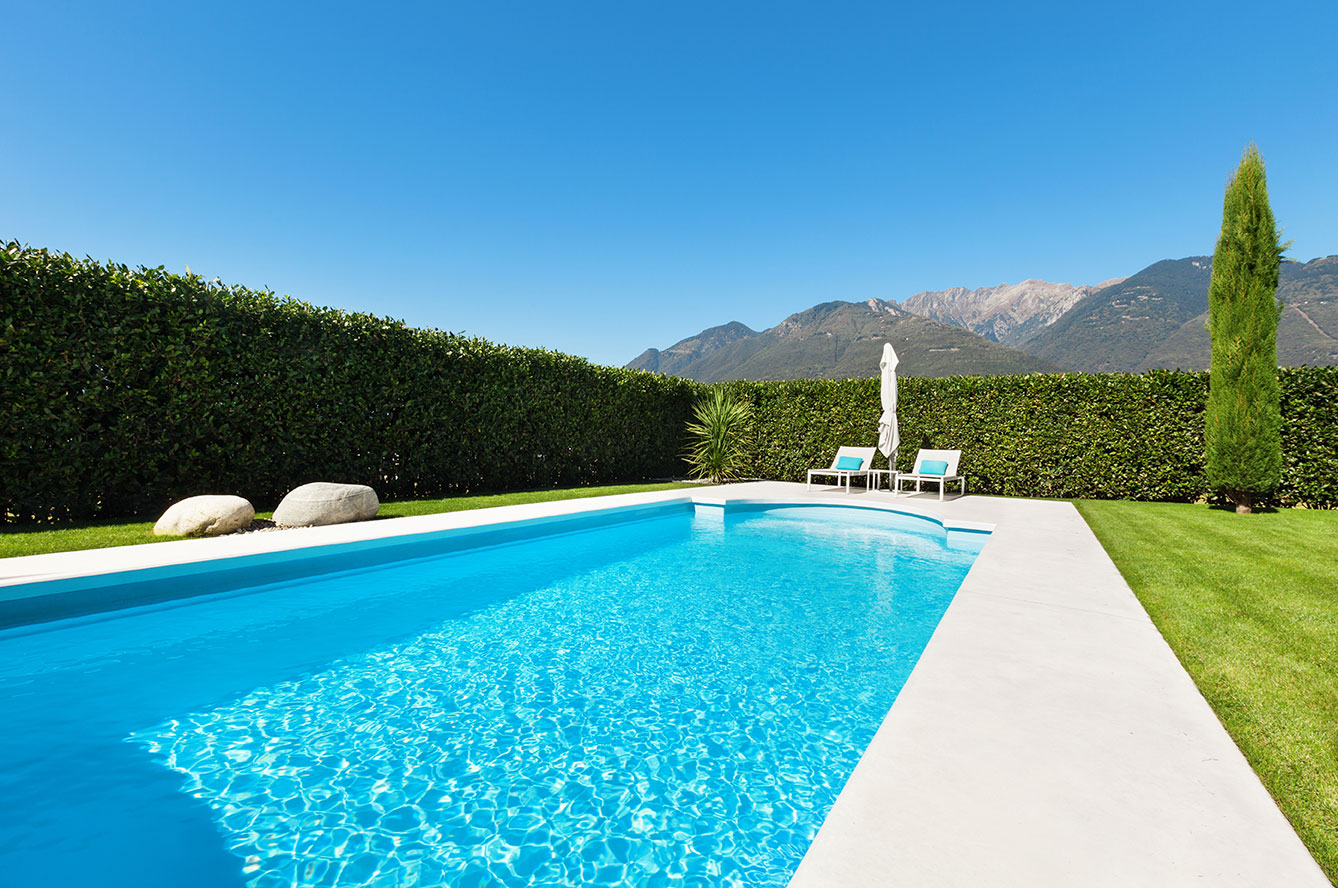 Price-Difference-Between-Vinyl-Liner-Concrete-And-Fiberglass-Pools
