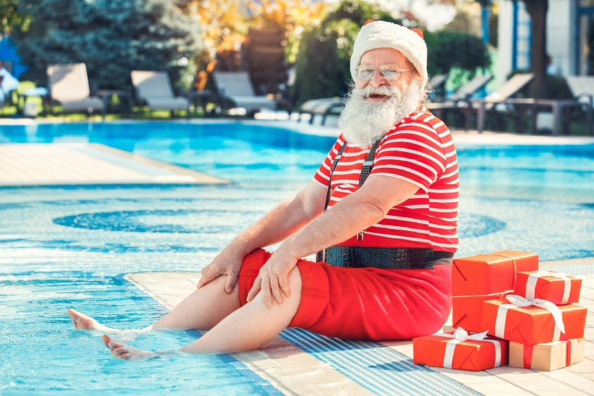 (Guardian) Decorating Your Pool for the Holidays