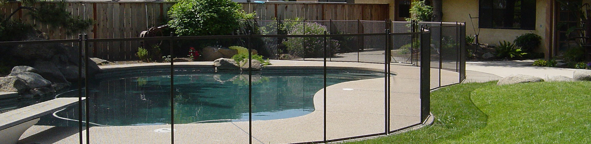 The Safest And Strongest Swimming Pool Safety Fencing With Pool Gate